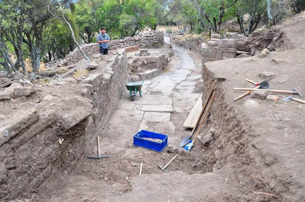Aigai'deki kazılarda 2 bin yıllık Roma Yolu bulundu - 8