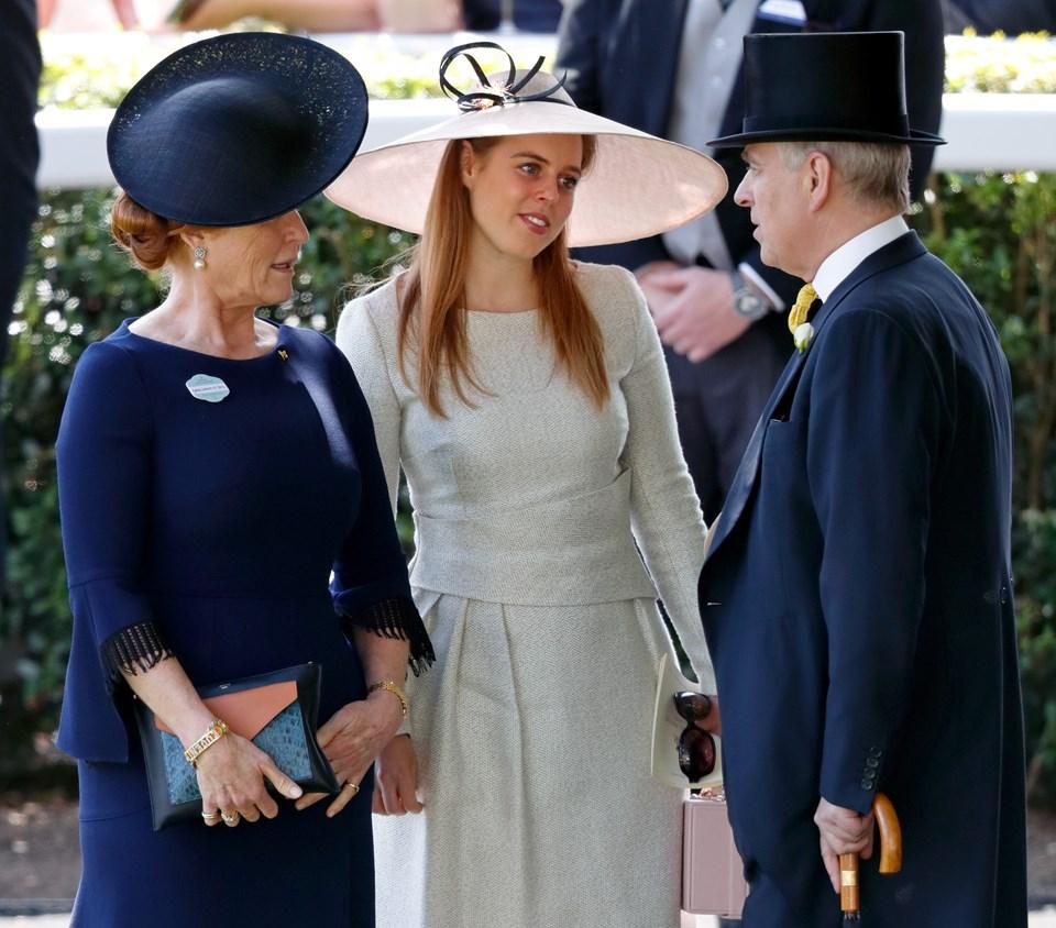 York Düşesi Sarah, Prenses Beatrice ve York Dükü Andrew