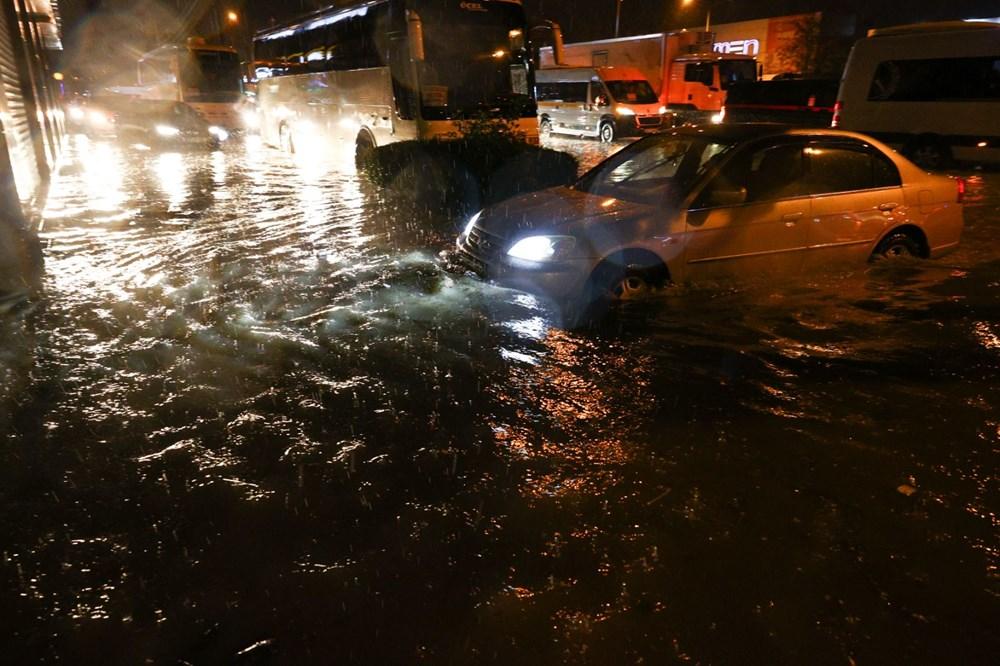 İzmir'de sağanak etkili oldu - 11