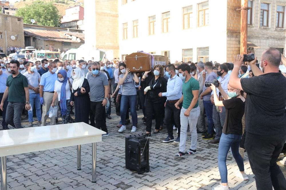 Hüzünlü veda: Pınar Gültekin son yolculuğuna uğurlandı - 7