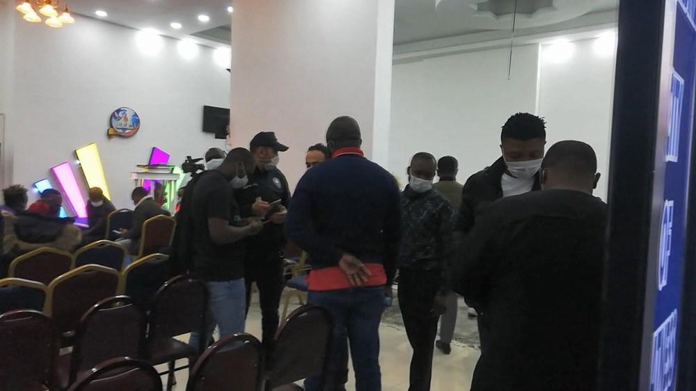"""Esenyurt'ta polisin """"parti var"""" ihbarına gittiği yer Nijeryalıların derneği çıktı - 3"""
