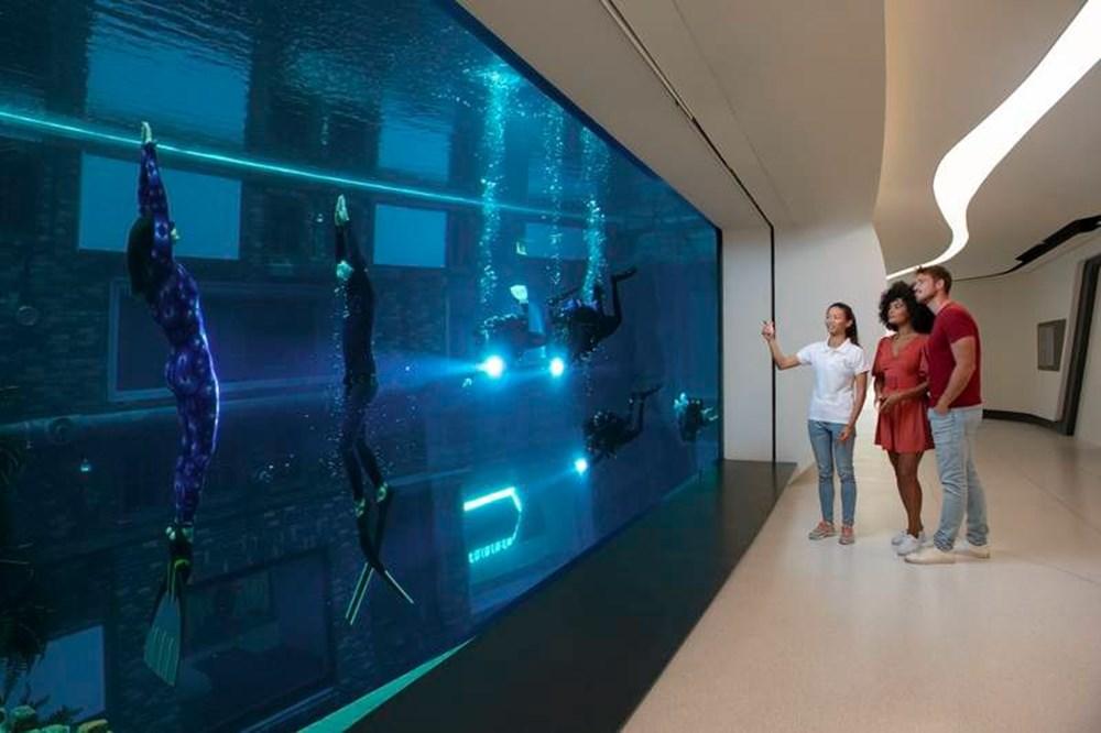 Dünyanın en derin yüzme havuzu Dubai'de açıldı: 60 metre derinliğe sahip - 7