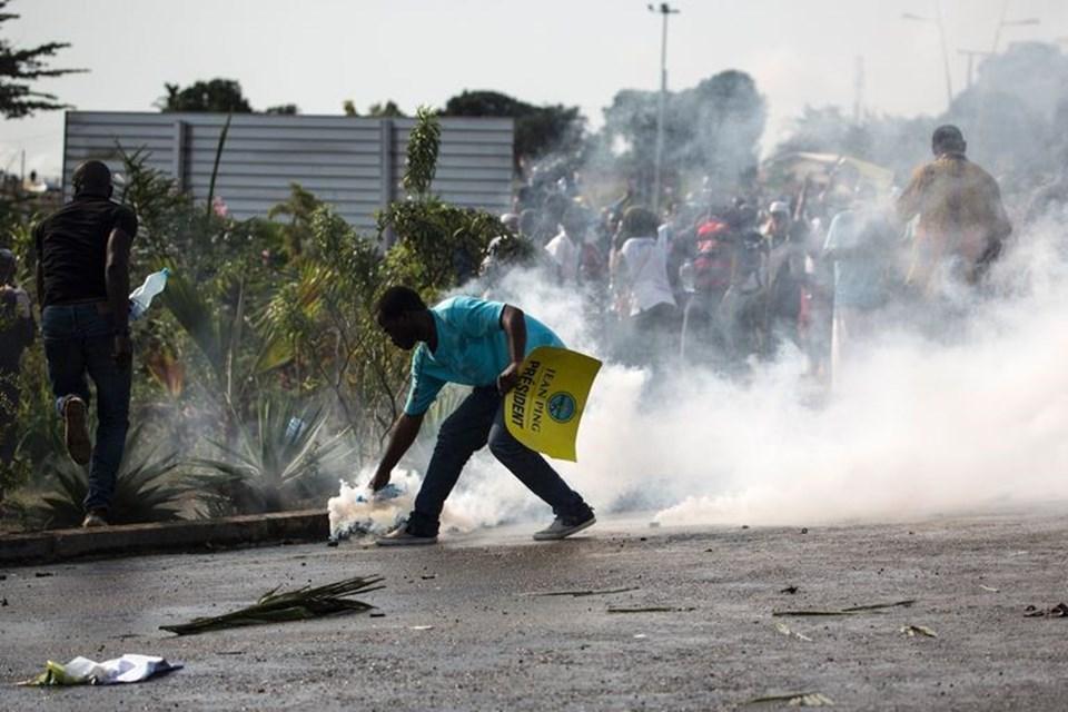 Seçim sonuçlarının açıklanmasından sonra muhalefet yanlıları seçimlerde hile yapıldığını öne sürerek protesto gösterilerine başlamışlardı.