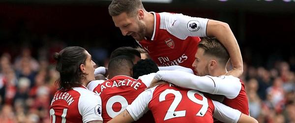 Arsenalli yıldızların partisi İngiltere'de gündem oldu