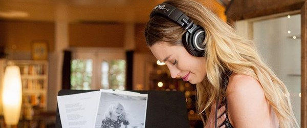 ABD'li şarkıcı Kylie Rae Harris hayatını kaybetti