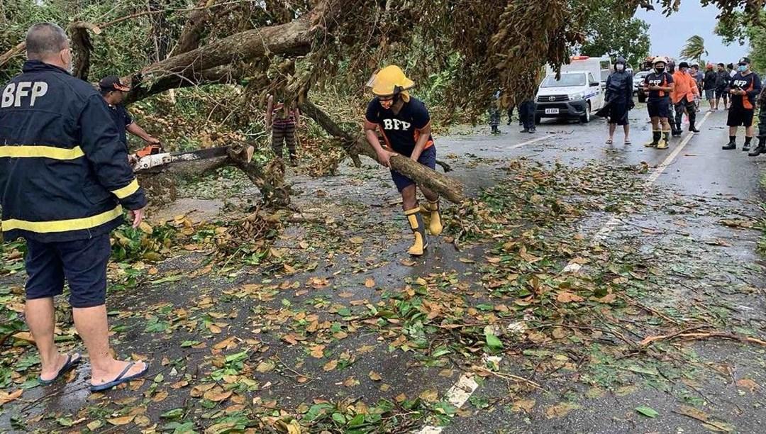 Filipinler'de Molave tayfunu binlerce kişiyi yerinden etti