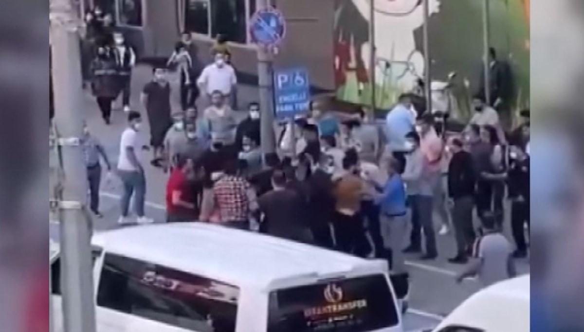 Taksicilerin müşteri alma kavgası