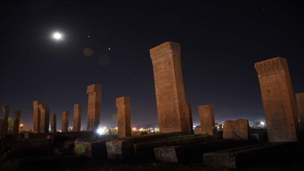 Dünyanın en büyük Türk-İslam mezarlığı: Ahlat Selçuklu Meydan Mezarlığı - 7