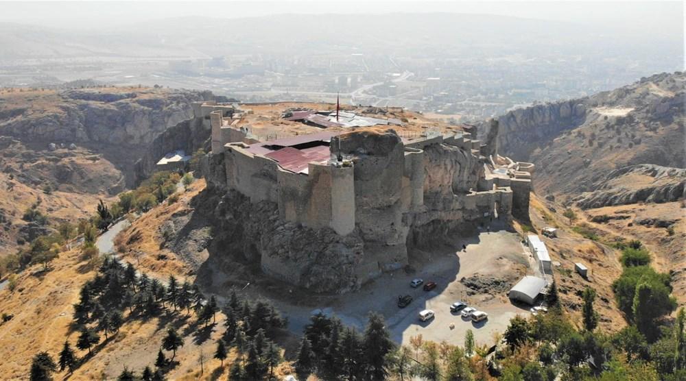 Harput Kalesi'nde 7 yılda 110 bin adet obje - 1