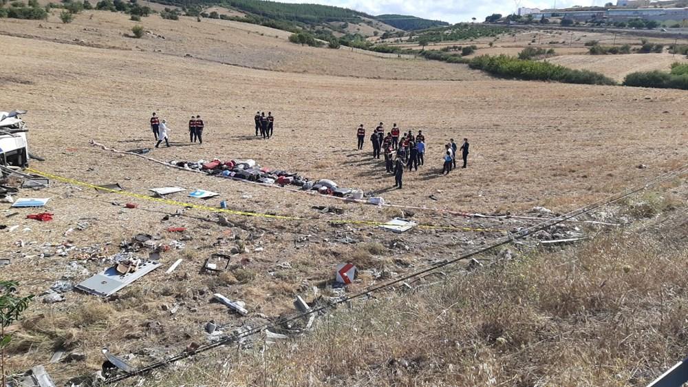 Balıkesir'de yolcu otobüsü devrildi: 15 kişi hayatını kaybetti - 21