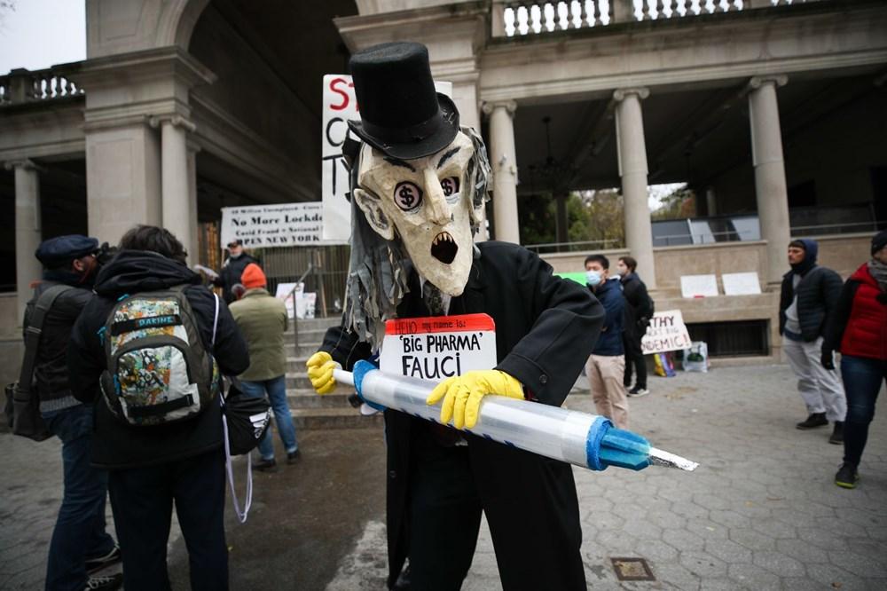 New York'ta karantina karşıtları maske yaktı - 14