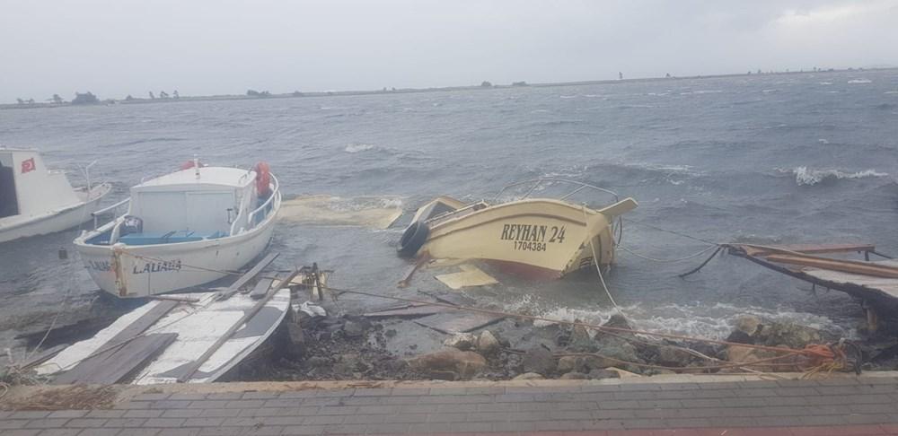 Balıkesir Ayvalık'ta fırtına: 30 tekne battı - 16