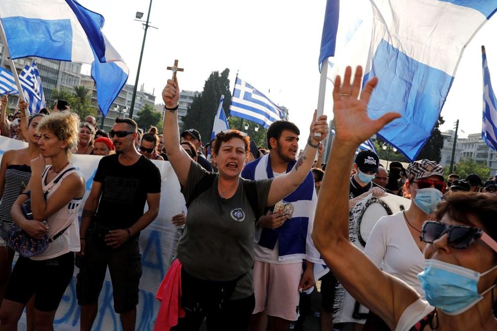 Yunanistan'da aşı karşıtları polisle çatıştı - 2