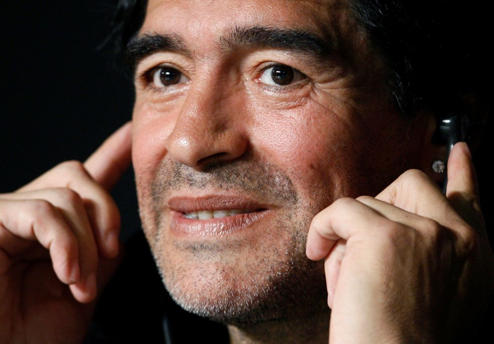 Futbol dünyasından Armando Maradona geçti - 16