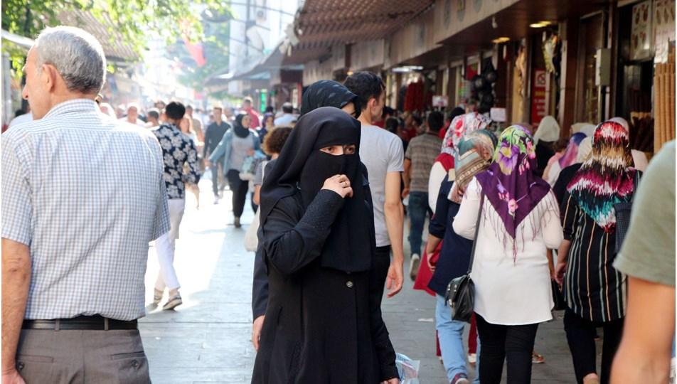 Suriyeliler, Türkiye nüfusunun yüzde 4,46'sını oluşturuyor (Kilis'te her 4 kişinin üçü Suriyeli)