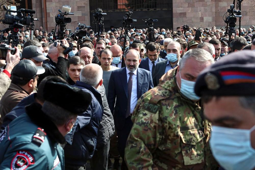 Ermenistan'da darbe girişimi: Paşinyan destekçileri ve karşıtları meydanlara çıktı - 13