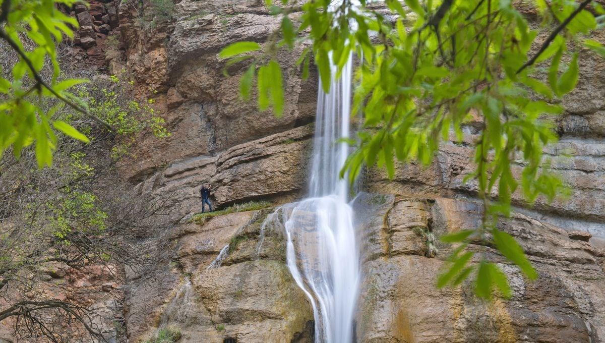 Tunceli'de dağların arasındaki saklı cennet: Çırtan Şelalesi