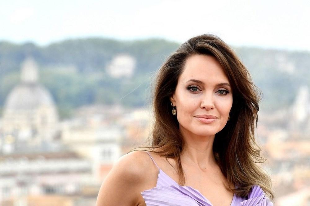 Angelina Jolie, Brad Pitt ile ortaklığını bitirmek istiyor - 5