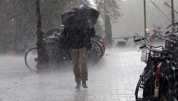 Hava durumu: İstanbul'da havalar soğuyor, Ege'de sağanakyağış