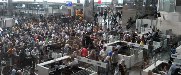 """""""Biletsiz yolcu"""" sonrası Atatürk Havalimanı'nda yeni önlemler"""