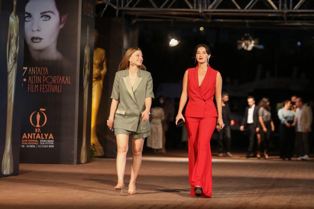 Altın Portakal Film Festivali kırmızı halı geçişiyle başladı - 6