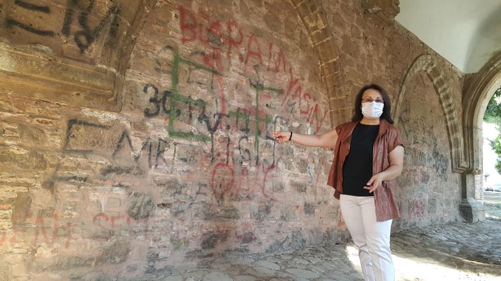 Tarihi Cihanoğlu Külliyesi'nin duvarlarına yazı yazılmasına tepki - 4