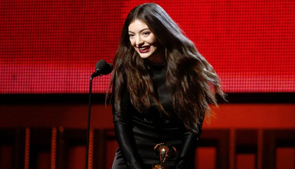Lorde başarılı performansını ödülle süsledi (Reuters).