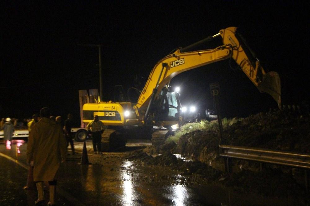 Düzce'de dere taştı, yol çöktü: Kentte sağanak etkili oldu - 25