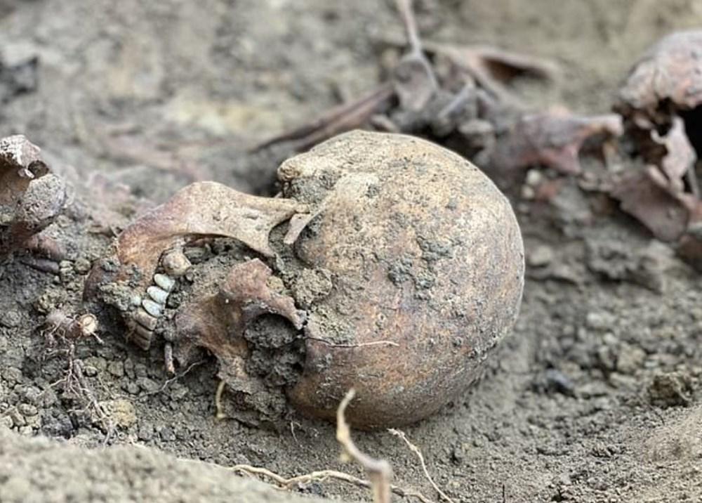 İkinci Dünya Savaşı'nda öldürülen Katolik rahibelerin kemikleri arkeolojik kazıdabulundu - 6