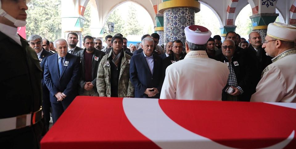 Başbakan Binali Yıldırım Hatay'da şehit uzman çavuş Ahmet Bayram'ın cenazesine katıldı.