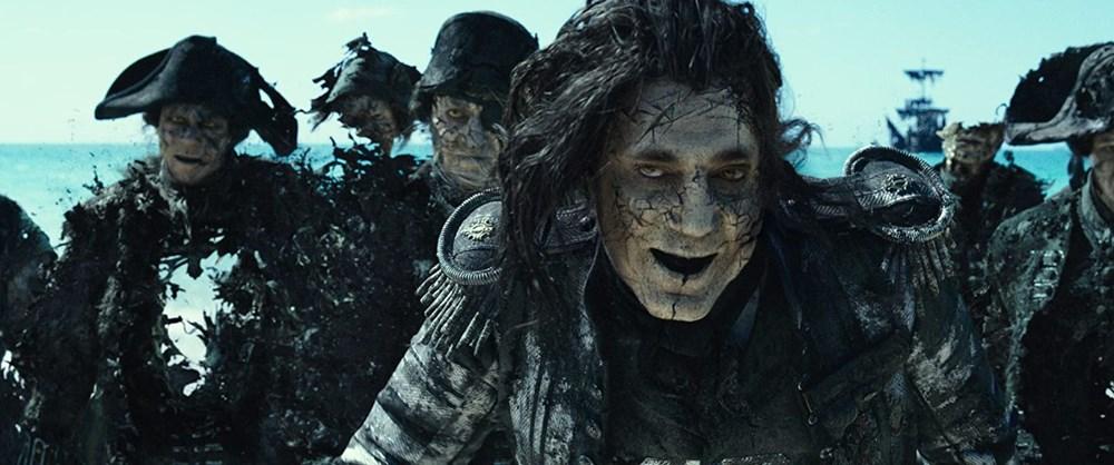 Johnny Depp tahtını Margot Robbie'ye kaptırabilir (Karayip Korsanları hakkında her şey) - 25