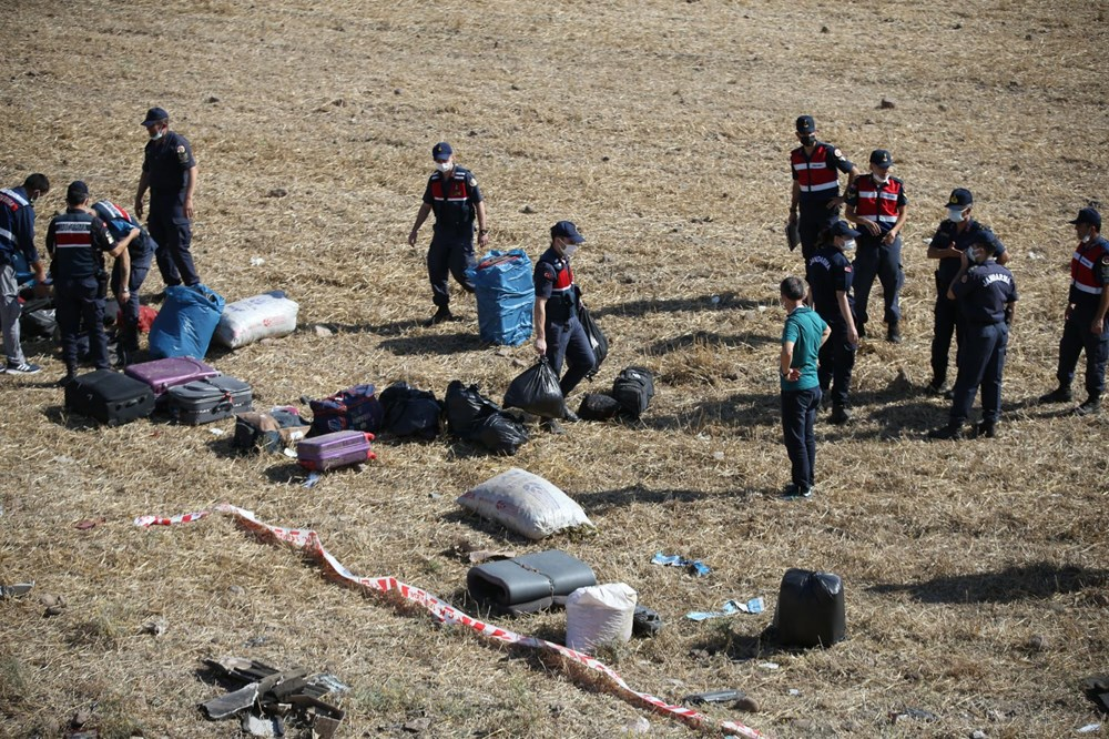 Balıkesir'de yolcu otobüsü devrildi: 15 kişi hayatını kaybetti - 37