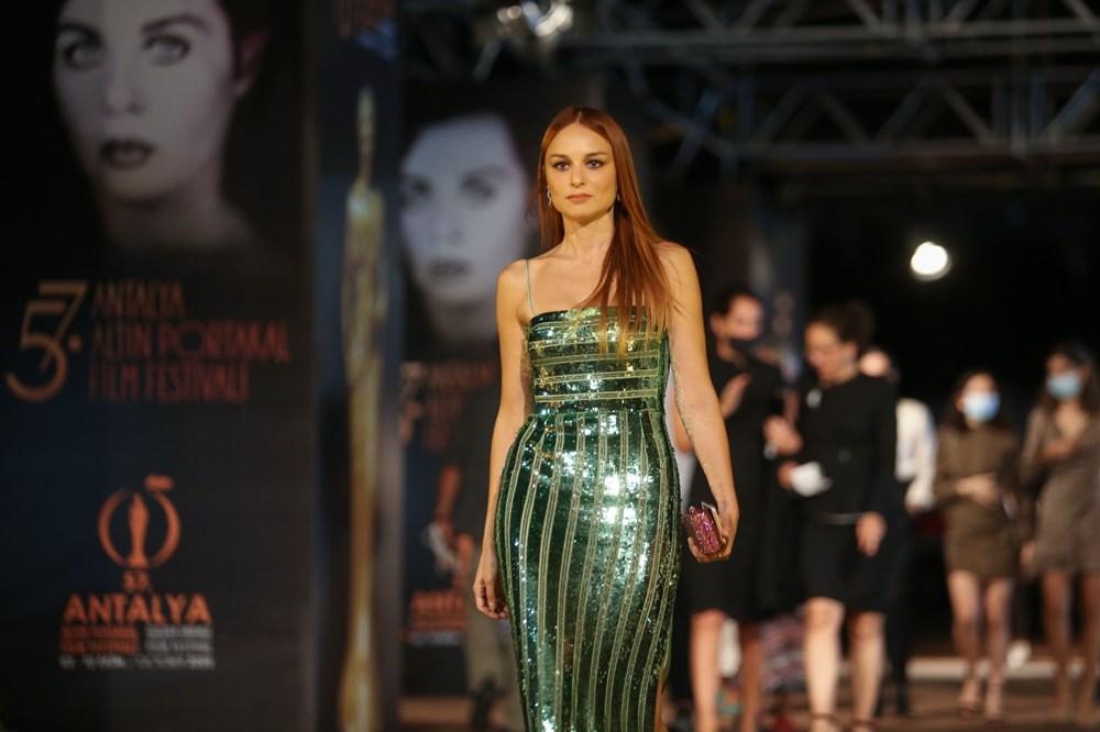Altın Portakal Film Festivali kırmızı halı geçişiyle başladı - 17