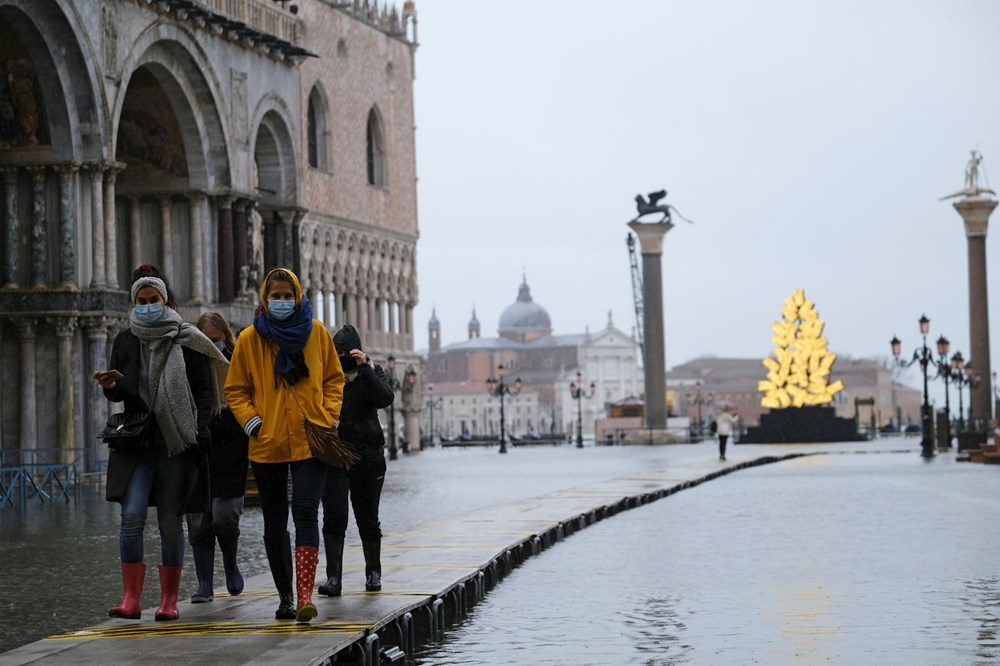 Venedik'te yine su baskını: Milyar dolarlık proje işe yaramadı - 1