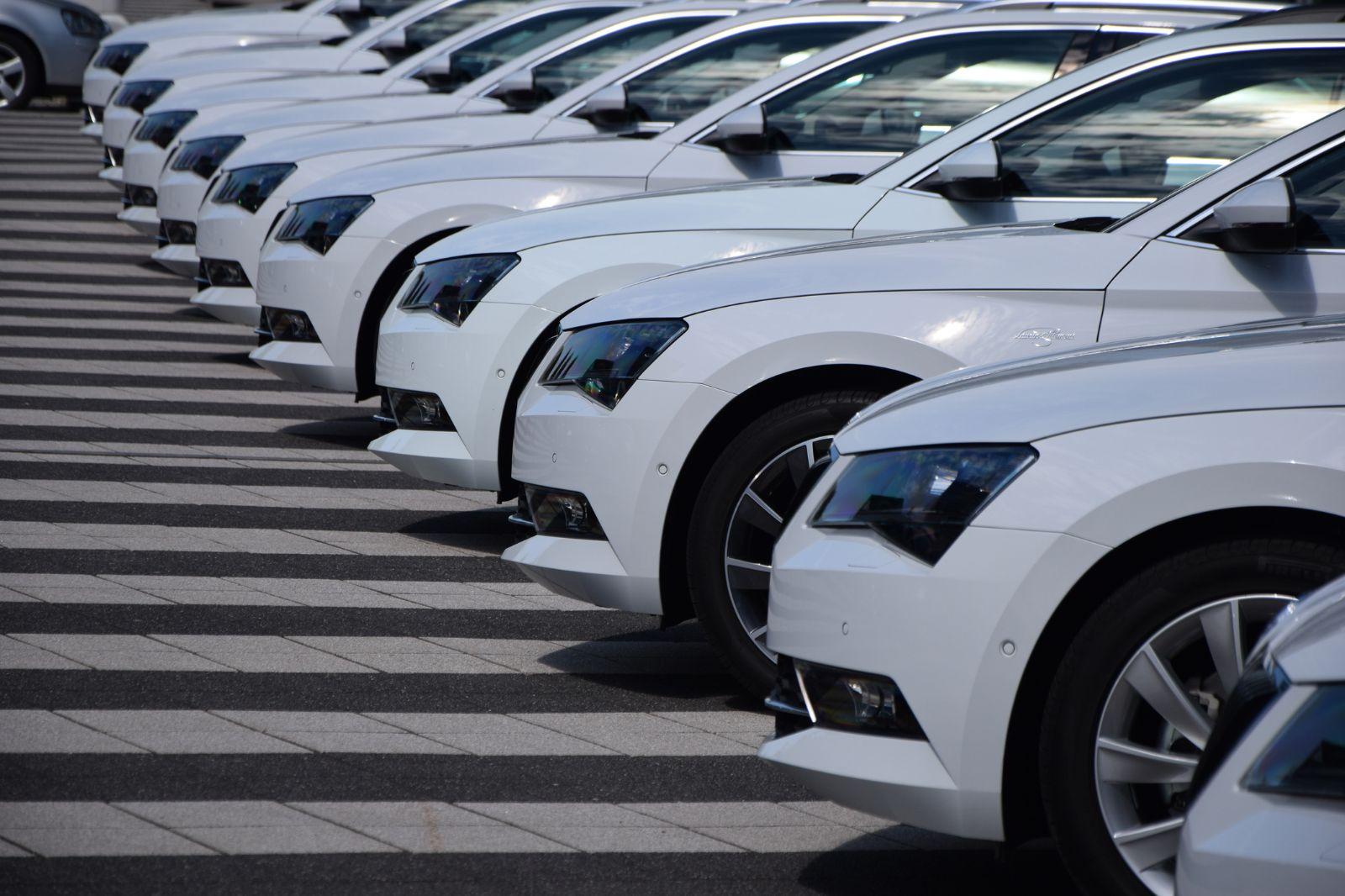 Koyu renkli araçlar daha çok yakıt tüketiyor!