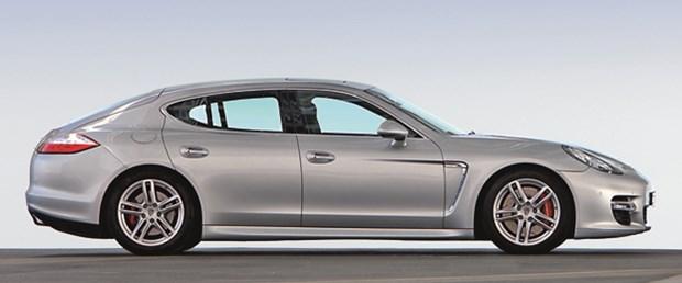 Araçlarda gümüş rengi popülerliğin doruğunda