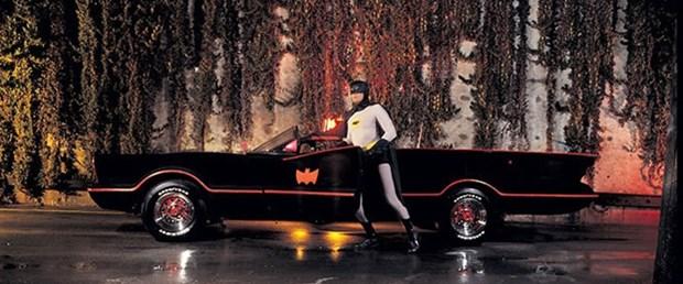 Batman'ın otomobili 4,6 milyon dolara satıldı