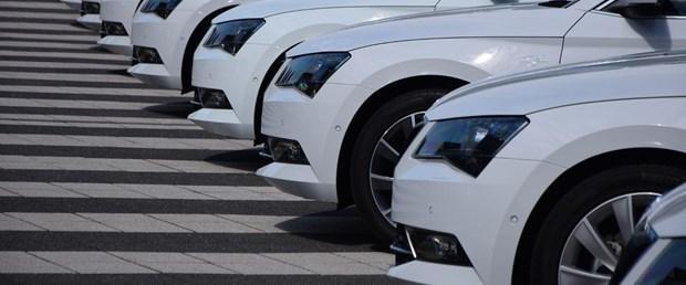 beyaz otomobil.jpg