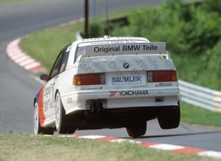 İkonik M modeli, E30 M3'ün DTM versiyonu iş başında (1991)