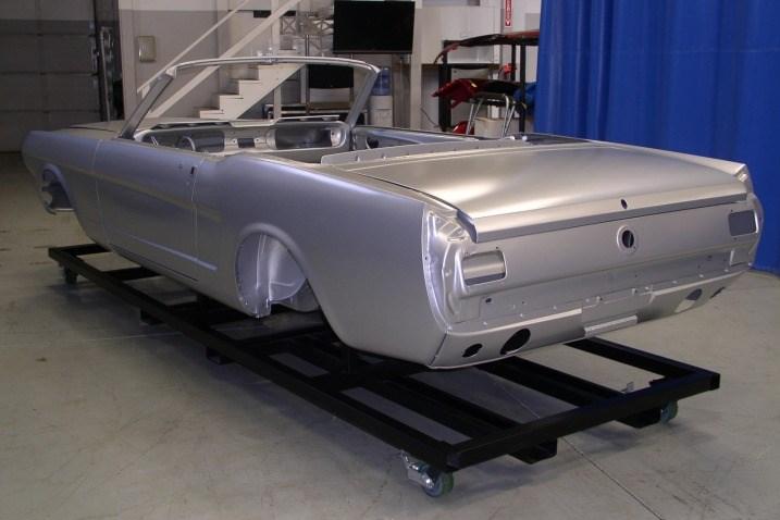 Yeni gövdelerde kullanılan çelik orijinal Mustang'dekine göre daha kaliteli ve modern kaynaklama teknikleri ile üretilmiş.