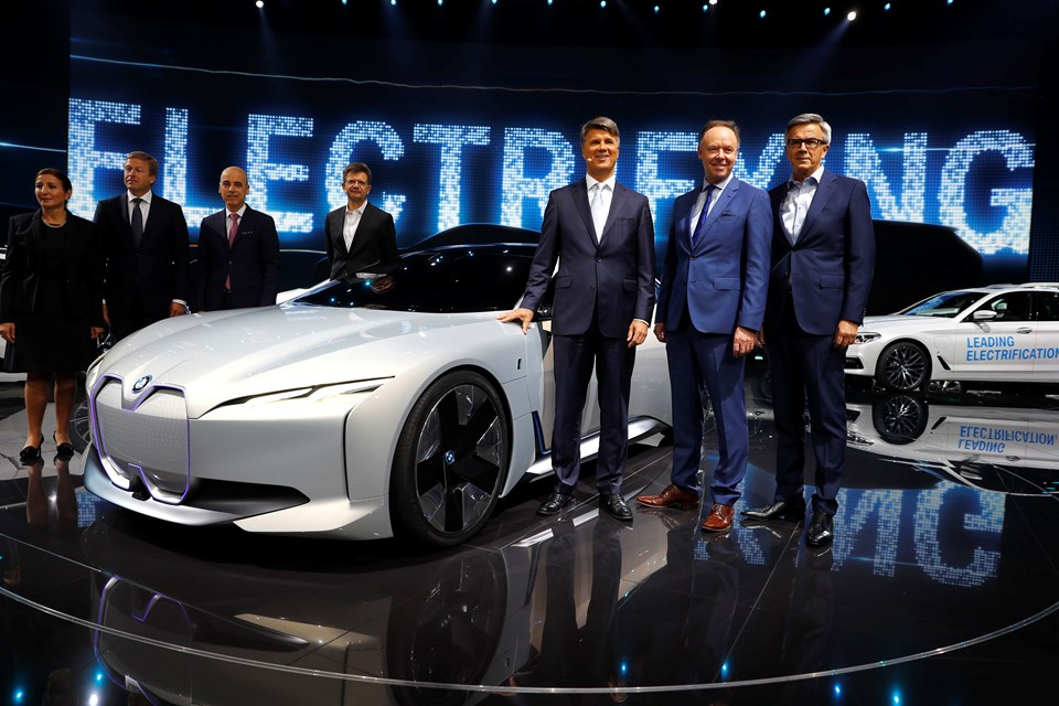 BMW iVISIONS