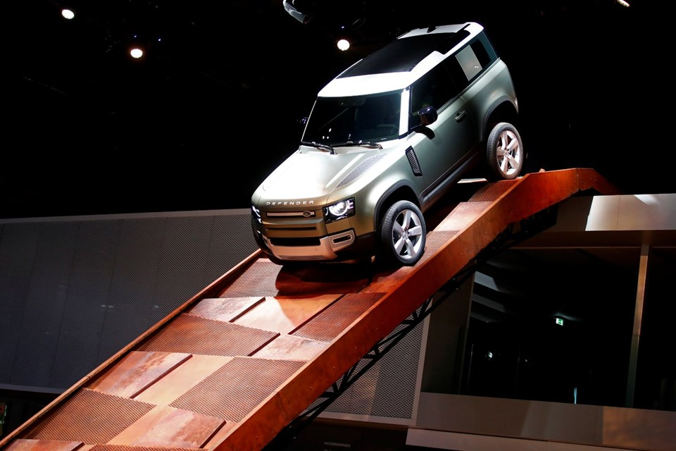 Land Rover Defender yenilendi