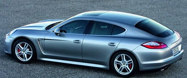 Limuzin tadında Porsche
