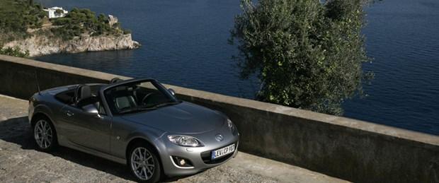 Mazda MX-5 bir milyona koşuyor