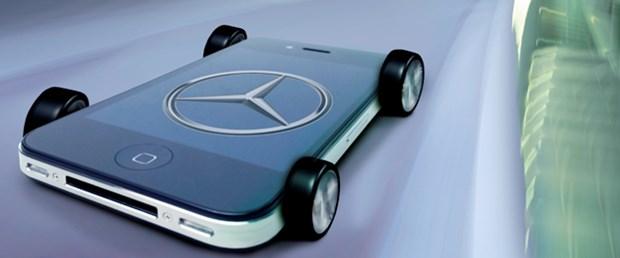 Mercedes iPhone'u araçlarına entegre ediyor