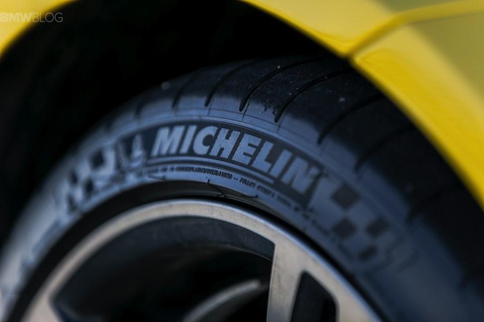 Michelin mühendisleri, lastikleri 1,6 mm'ye kadar kullanarak araç başında 2 yılda bir lastikten tasarruf sağlanabileceğini iddia ediyor