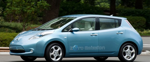 Nissan, Leaf elektrikli aracı için ABD'den yıl sonuna kadar 25.000 adet sipariş almayı beklediğini ve yeşil otomobilden kar elde edeceğini söyledi.
