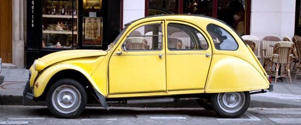 Paris'te eski otomobil yasası 'geri vites'