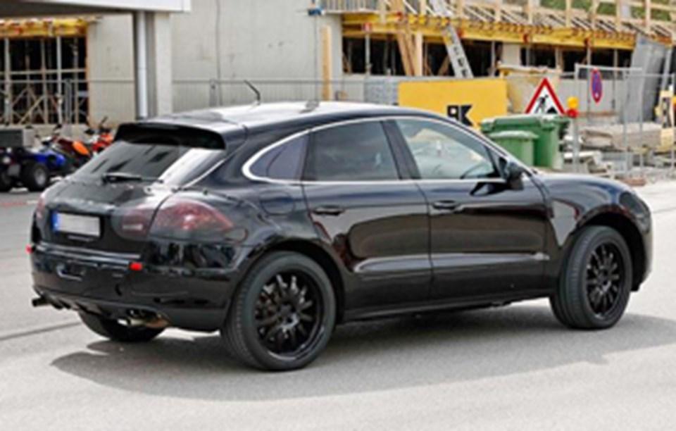 Porsche'nin en yeni aracı Macan, Cayenne'den esinlenmiş bir tasarıma sahip.