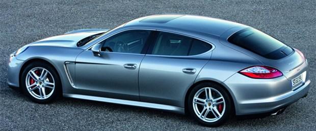 Porsche Panamera emniyet kemerinin düzeltilmesi için geri çağrıldı